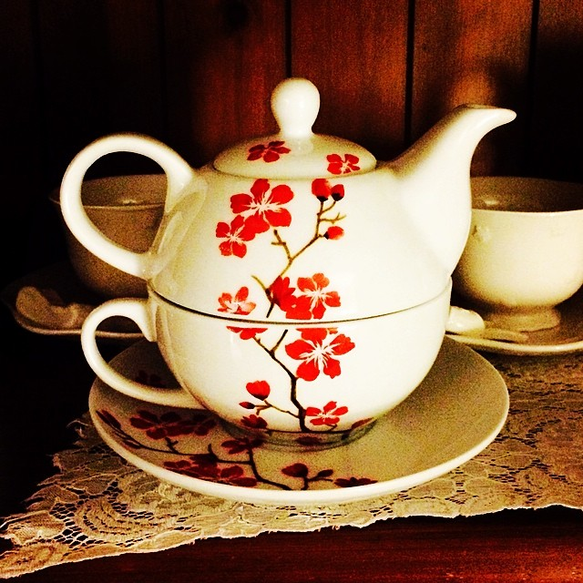 I've been addicted to @Homesense lately; I may need an intervention. They may not be vintage, but their tea sets are adorable. #teapot #teacup #blossoms #red