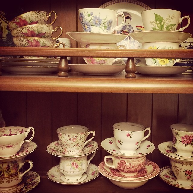 Where my bargains at? Read my blog to find the deals! http://teacup-treasure.com/budgets_and_bargains_while_thrifting_antiquing_tea_cups/ #teacups #thrifting #antiquing
