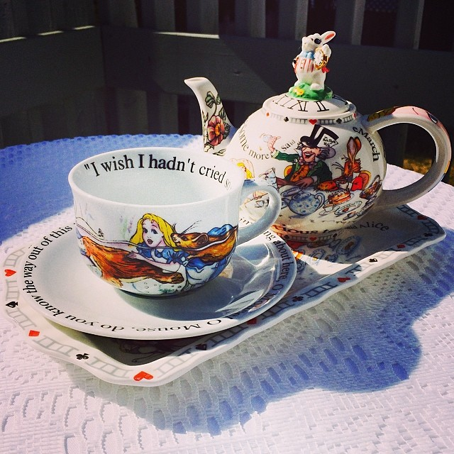 My review of Queen Mary online, & my quest for the perfect cup. http://teacup-treasure.com/adventures-wonderland/ #teacup