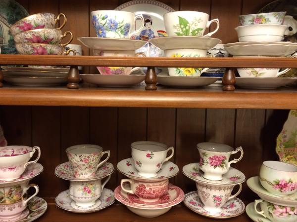 Successful finds in thrifting and antiquing for tea cups