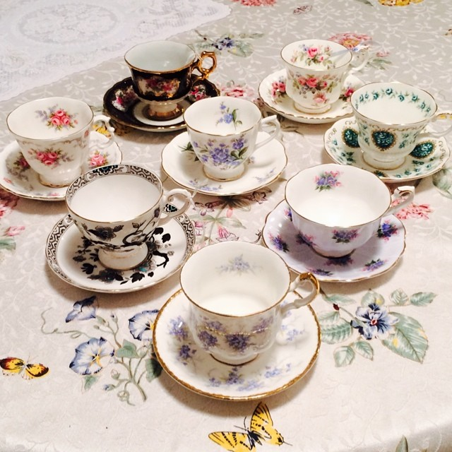 Website will be updated with more vintage tea cups tomorrow. Sweet dreams, everyone. #royalalbert #cameo #teacup #teacups #vintage #shafford #royaltuscan #paragon