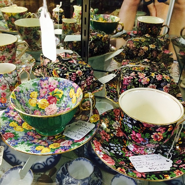 Ogling the overpriced chintz. Wish I had these in my collection. #chintz #teacups #mewant