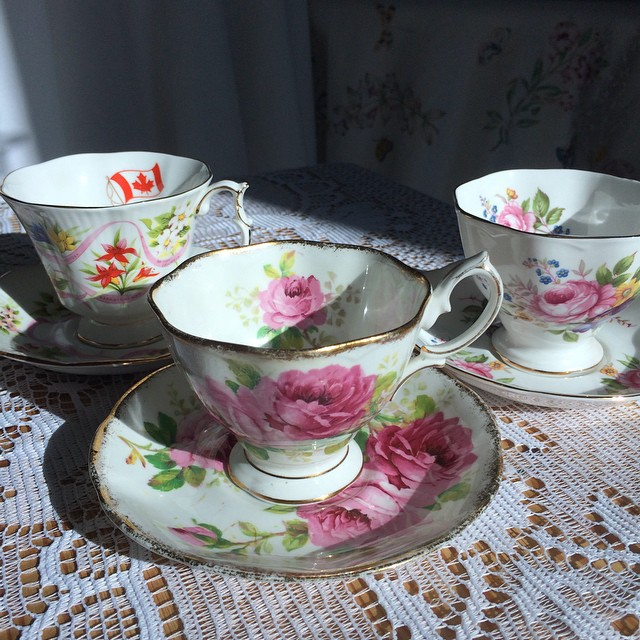 Royal Albert, always fashionable, and always pretty in pink. Take advantage of this week's fast shipping promo. More cups at teacup-treasure.com/catalogue DM or email your order or inquiries. #teacup4sale #teacupforsale #vintage #royalalbert #teacup #pink