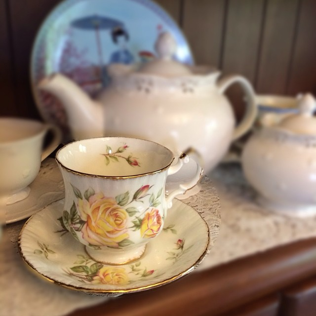 Perfect vintage paragon. More cups at catalogue at teacup-treasure.com/catalogue #tea #teacup #vintage #teatime #teacupforsale #teacup4sale #paragon New faster shipping available.