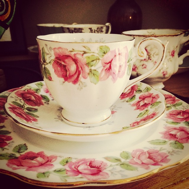 Lovely Lady Alexander Rose. Next shipping date with USPS is this weekend. Please order & pay by Friday for the fastest shipping possible. Email if interested. More cups at teacup-treasure.com/catalogue #teacup4sale #teacupforsale #tea #teacup #teacups #teatime #vintage