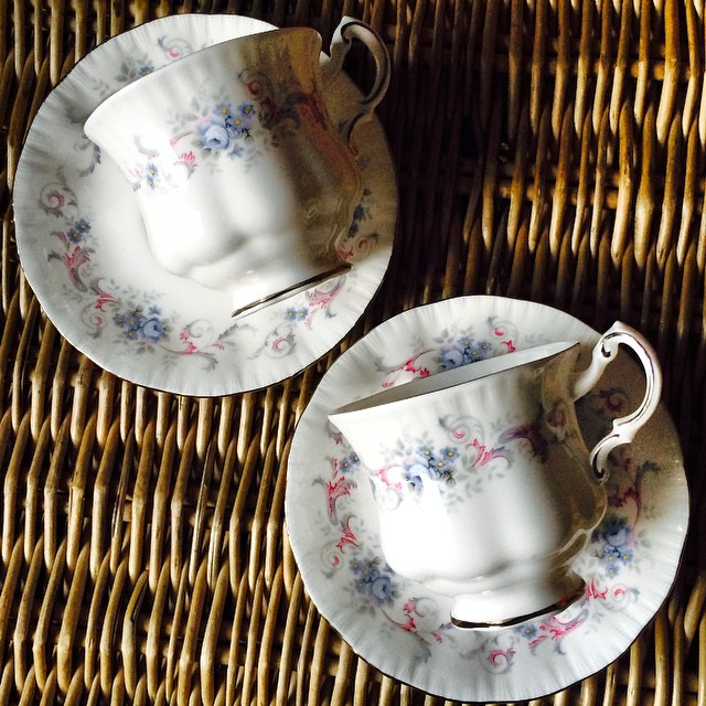 Pretty Paragons. Beautiful twin Paragons in blue & bows. Order & pay by Friday to ship Saturday, Nov. 15, and receive in 6-10 business days. Email if interested. Ships Worldwide. Paypal accepted. More cups at http://teacup-treasure.com/catalogue #teacup4sale #teacupforsale #tea #teacup #teacups #teatime #vintage
