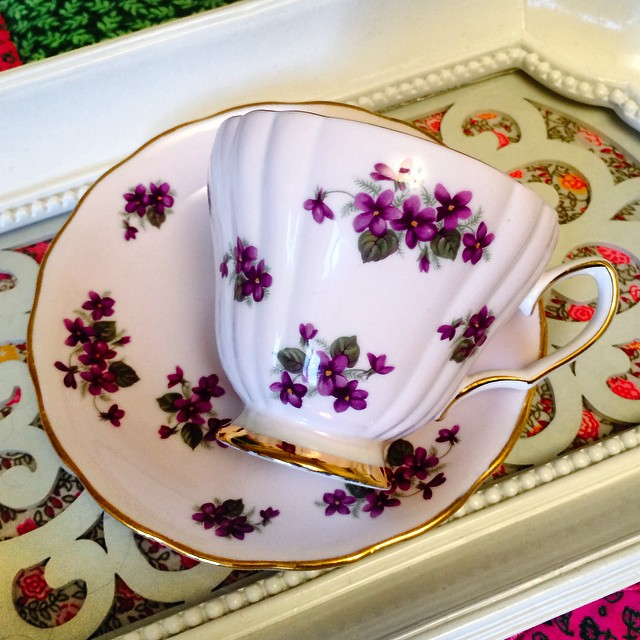 Perfect shade of purple. If you are requesting a shipping quote on the website you must include your email. Get in your order & payment by Friday, and you're package will be heading out in our special International shipping trip this Saturday. 6-10 business days for delivery. Email if interested. Ships Worldwide. Paypal accepted. More cups at http://teacup-treasure.com/catalogue #teacup4sale #teacupforsale #tea #teacup #teacups #teatime #vintage