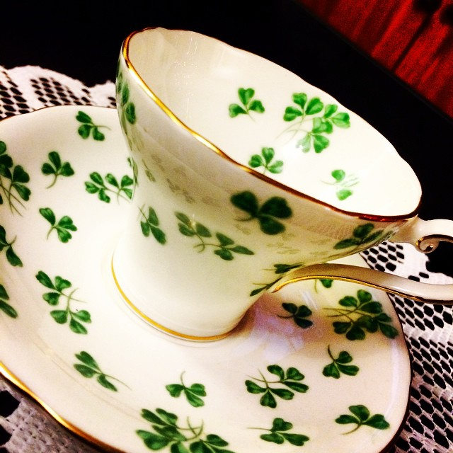 Gloriously green shamrocks adorn this gorgeous corset Aynsley. Email if interested. Ships Worldwide. Paypal accepted. More cups at http://teacup-treasure.com/catalogue #teacup4sale #teacupforsale #tea #teacup #teacups #teatime #vintage