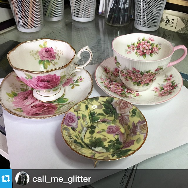 Glad you liked the tea cups; lovingly picked by your thoughtful folks. Have a great party & amazing birthday!#Repost @call_me_glitter with @repostapp.・・・let the birthday Madness begin! presents from my folks via @teacuptreasure #Aries