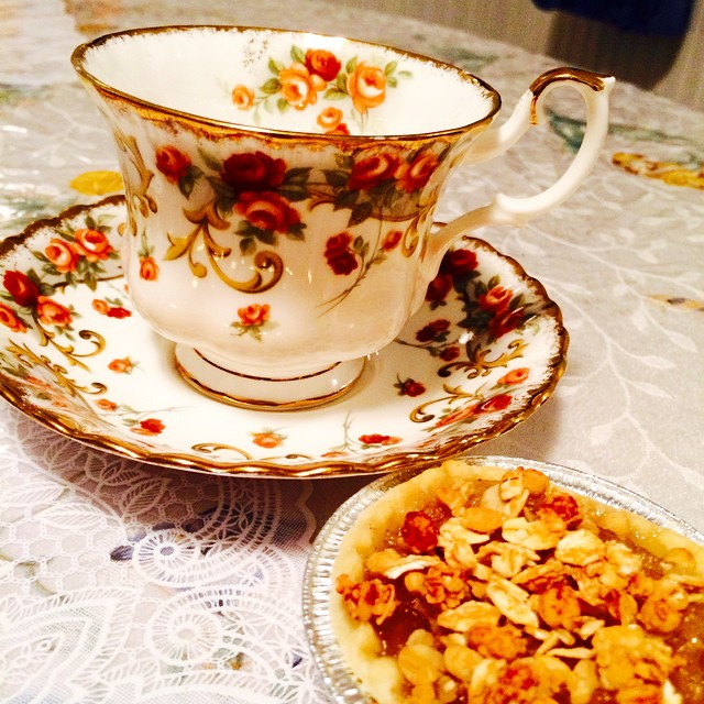 Beautiful Belinda by Royal Albert. Pictured with my hubby's amazing apple tart. Email if interested. Ships Worldwide. Paypal accepted. More cups at http://teacup-treasure.com/catalogue #teacup4sale #teacupforsale #tea #teacup #teacups #teatime #vintage