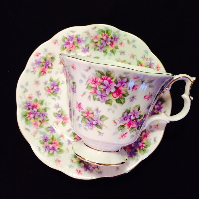 Upload last night; check out this beauty & more. Pics & info on website. Request shipping quote. Email if interested. Ships Worldwide. Paypal accepted. More cups at http://teacup-treasure.com/catalogue #teacup4sale #teacupforsale #tea #teacup #teacups #teatime #vintage #royalalbert #nellgwynneseries #richmond